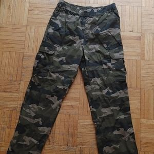 Children's Place cargo pants in camo